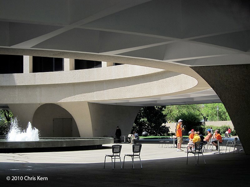 Hirshhorn Courtyard, Hirshhorn Museum and Sculpture Garden, Washington, District of Columbia, USA (2010)